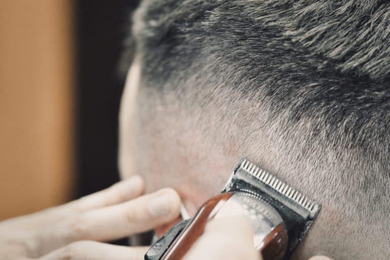 Friseur Schneider Messerschnitt Haare Herrenfriseur